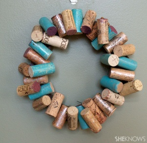 8-Easy_DIY_painted_cork_wreath